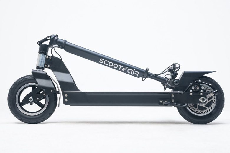 קורקינט חשמלי scootair-wideboard במצב מקופל
