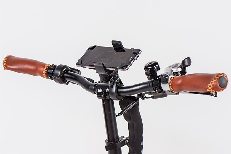 MII2 אופניים חשמליים -תצוגה מבית סיבוב בעיר