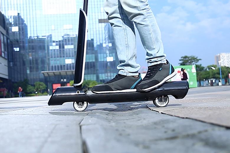 gotube-scooter על הכביש - סקוטר חשמלי
