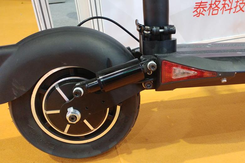 קורקינט חשמלי מתוך תערוכה בסין