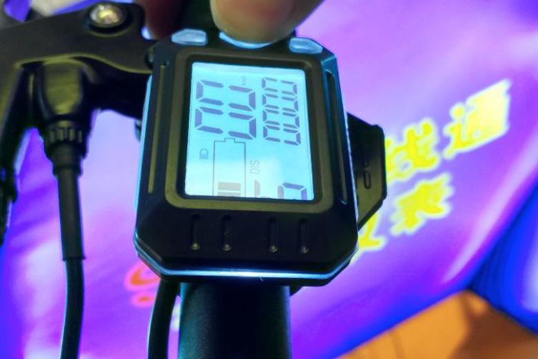 תצוגה של אופניים חשמליים