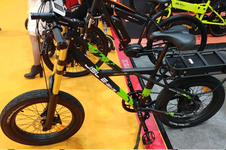 אופניים חשמלים מתוך תערוכה בסין