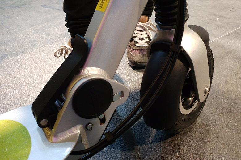 קורקינט חשמלי מתוך התערוכה בסין