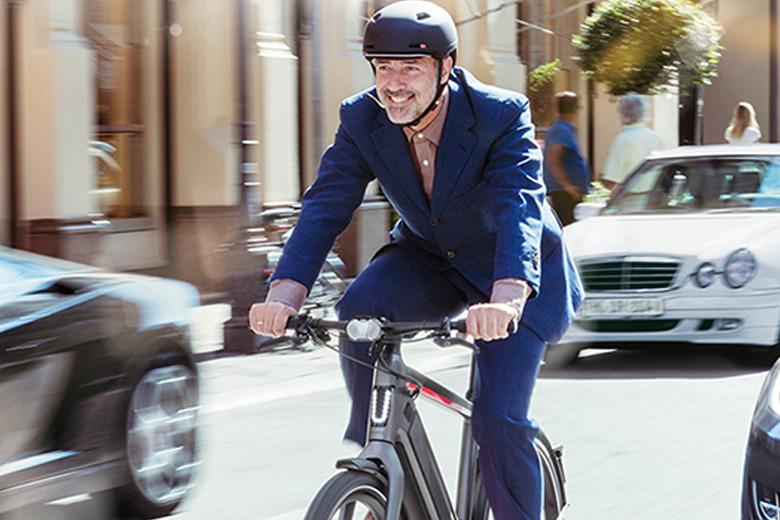 אופניים חשמליים stromer בנסיעה על הכביש