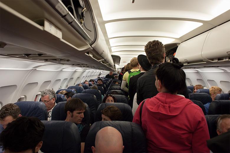 טיסה עם כלים חשמליים