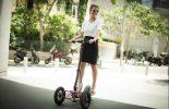 דוגמנית רוכבת על move-V2 11